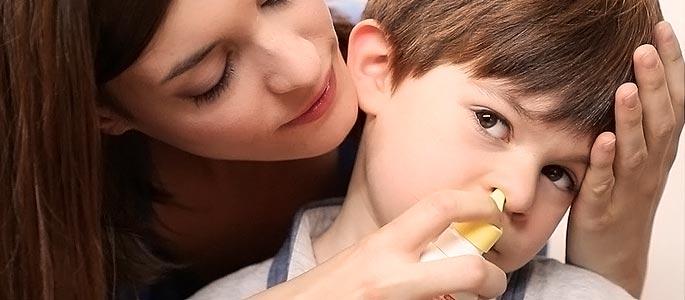 Чистка носа солевым раствором