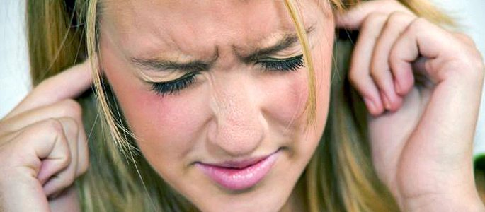 Болят уши при простуде и после гриппа – причины и лечение
