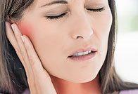 Боль в горле и ухе