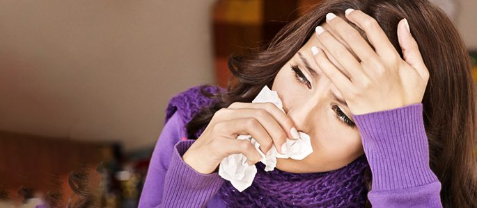 Головная боль при насморке, почему болит лоб, переносица